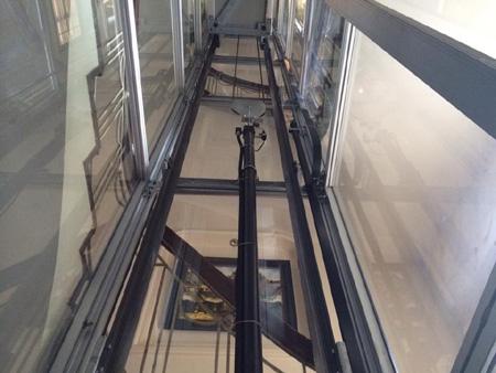 Khung thang máy bằng thép